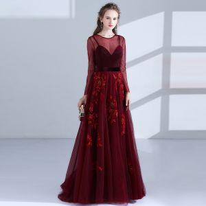 Elegant Burgundy Evening Dresses  2018 A-Line / Princess Scoop Neck Long Sleeve Appliques Lace Beading Sash Floor-Length / Long Pierced Formal Dresses