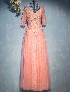 Blume Feenhafte Abendkleider 2017 V-ausschnitt Applique Blumen Gestreift Perle Rosa Spitze Lange Kleid