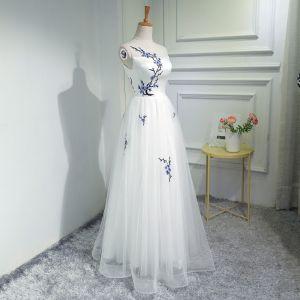 Chinesischer Stil Ivory / Creme Abendkleider 2018 A Linie Stickerei Rundhalsausschnitt Rückenfreies Ärmellos Lange Festliche Kleider