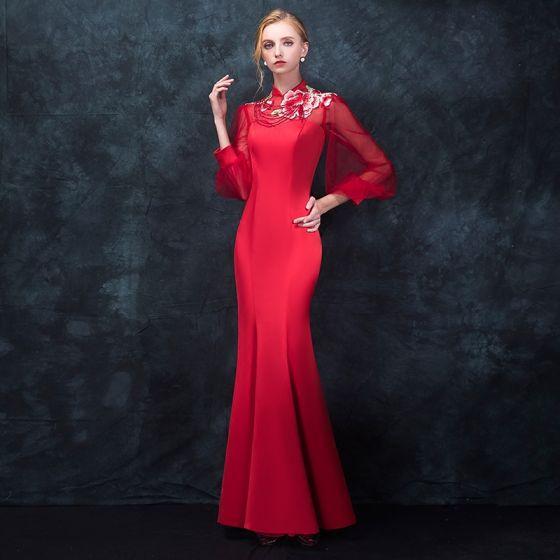 ee187fb101b Style Chinois Rouge Percé Robe De Soirée 2018 Trompette   Sirène Col Haut  Manches Longues Brodé Perlage ...