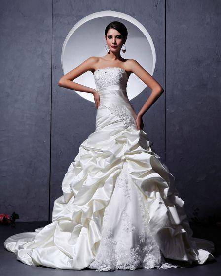 Satin Tyll Volang Applikationer Utsmyckning Alskling Kapell A-linje Brudklänningar Bröllopsklänningar