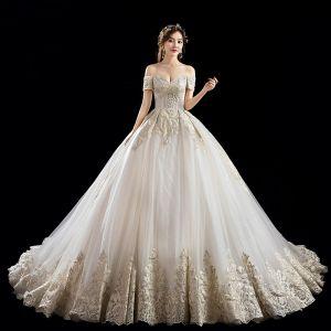 Luksusowe Szampan Suknie Ślubne 2019 Princessa Przy Ramieniu Frezowanie Perła Cekiny Z Koronki Kwiat Kótkie Rękawy Bez Pleców Trenem Katedra