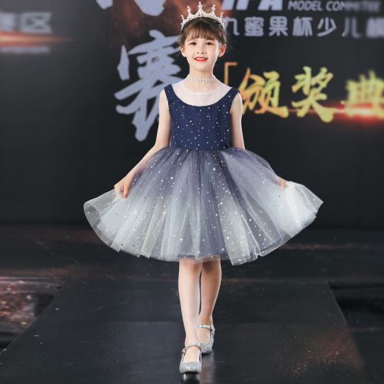 Cielo Estrellado Marino Oscuro Cumpleaños Vestidos para niñas 2020 Ball Gown Scoop Escote Sin Mangas Estrella Lentejuelas Cortos Ruffle
