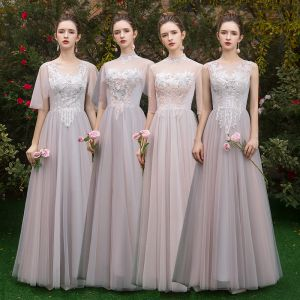 Hermoso Perla Rosada Transparentes Vestidos De Damas De Honor 2019 A-Line / Princess Apliques Con Encaje Largos Ruffle Sin Espalda Vestidos para bodas