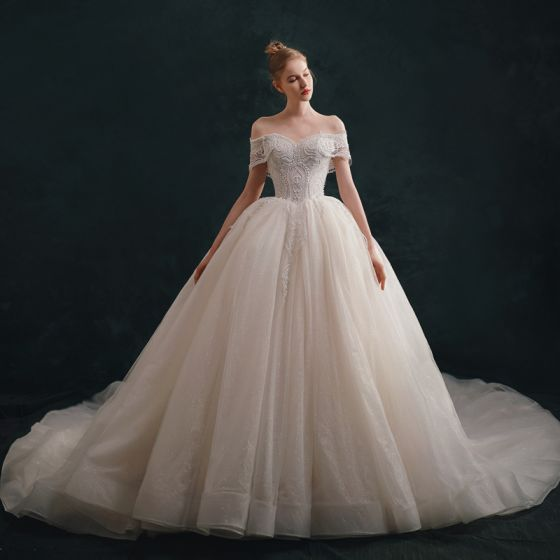 Luxury / Gorgeous Ivory Wedding Dresses 2021 Ball Gown Off-The-Shoulder Beading Lace Flower Short Sleeve Backless Royal Train Wedding