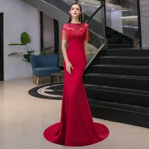 Elegant Burgundy See-through Evening Dresses  2020 Trumpet / Mermaid Scoop Neck Short Sleeve Appliques Lace Sequins Beading Tassel Rhinestone Sweep Train Ruffle Backless Formal Dresses