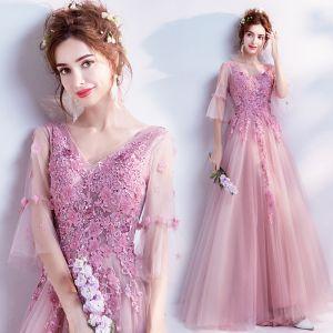 Romantisch Candy Roze Galajurken 2019 A lijn V-Hals Bell mouwen Appliques Kant Bloem Kralen Lange Ruche Ruglooze Gelegenheid Jurken