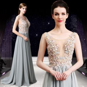 Elegant Grey Prom Dresses 2019 A-Line / Princess Scoop Neck Beading Pearl Rhinestone Appliques Lace Flower Sleeveless Sweep Train Formal Dresses
