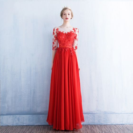 Mode Röd Genomskinliga Aftonklänningar 2018 Prinsessa Urringning 1 2 ärm  Appliqués Spets Beading Paljetter Skärp Långa Ruffle Halterneck Formella  Klänningar e245a9c15d410