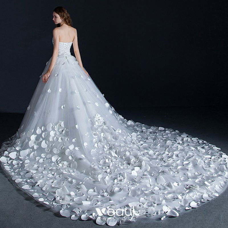 Amazing Unique White Wedding Dresses 2018 Ball Gown Appliques