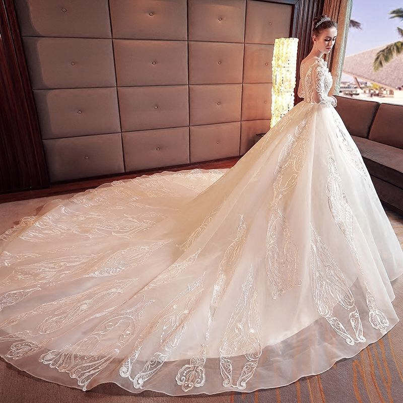 Stunning Ivory Wedding Dresses 2017 A-Line / Princess Scoop Neck Long Sleeve Appliques Lace Flower Beading Pearl Organza Chapel Train