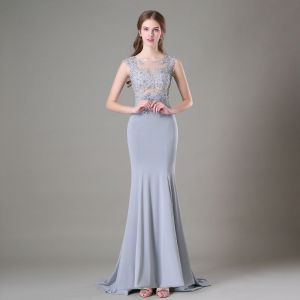 Modern / Fashion Silver Evening Dresses  2017 Scoop Neck Sleeveless Appliques Lace Beading Trumpet / Mermaid Formal Dresses Sweep Train