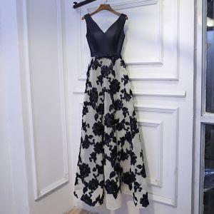 Chic / Beautiful Navy Blue Formal Dresses Evening Dresses  2017 Lace Flower Bow V-Neck Short Sleeve Floor-Length / Long A-Line / Princess