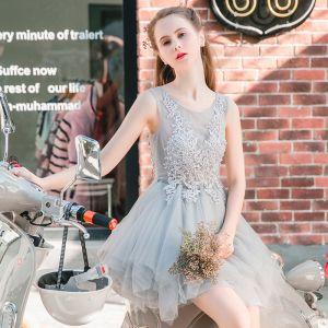 Piękne Szary Sukienki Na Studniówke 2017 Z Koronki Kwiat Wycięciem Bez Rękawów Krótkie Princessa Sukienki Wizytowe