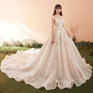 Luxury / Gorgeous Champagne Wedding Dresses 2018 Ball Gown Lace Appliques Beading Crystal Sequins Scoop Neck Backless Sleeveless Cathedral Train Wedding