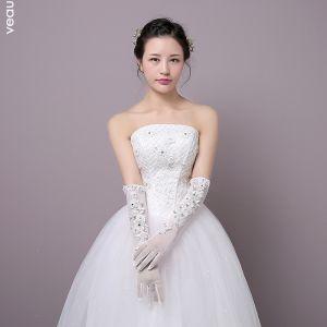 Schöne Weiß Hochzeit 2018 Schnüren Perlenstickerei Tülle Kristall Brauthandschuhe