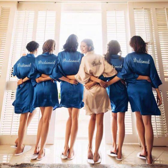 Eenvoudige Donkerblauwe Witte Huwelijk Bruids Bruidsmeisjes Zijde Ochtendjas 2020 V-Hals 3/4 Mouwen Gordel