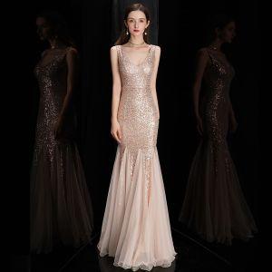 Schöne Rose Gold Pailletten Abendkleider 2020 Meerjungfrau Schultern Ärmellos Lange Rüschen Rückenfreies Festliche Kleider