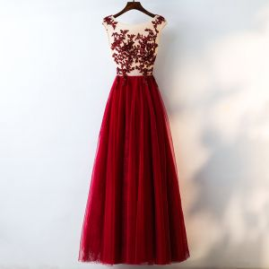 Chic / Beautiful Red Evening Dresses  2017 A-Line / Princess Lace Flower Crystal Artificial Flowers Scoop Neck Sleeveless Ankle Length Evening Party
