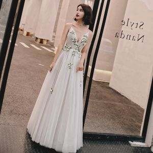 Sexy Ivory Evening Dresses  2019 A-Line / Princess Spaghetti Straps Deep V-Neck Sleeveless Appliques Lace Floor-Length / Long Ruffle Backless Formal Dresses
