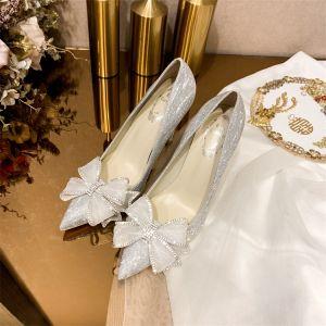 Sjarmerende Sølv Rhinestone Sløyfe Brudesko 2021 Lær 10 cm Stiletthæler Spisse Bryllup Pumps