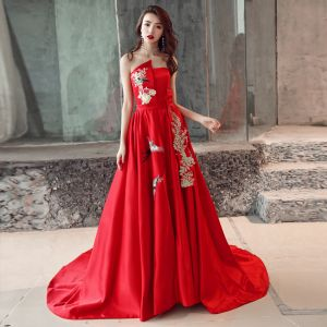 Chinese style Red Evening Dresses  2019 A-Line / Princess Strapless Appliques Lace Bow Sleeveless Backless Court Train Formal Dresses
