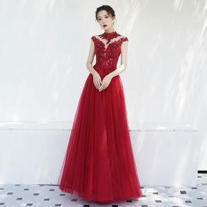 Chinese style Burgundy See-through Evening Dresses  2019 A-Line / Princess High Neck Sleeveless Appliques Lace Beading Floor-Length / Long Ruffle Backless Formal Dresses