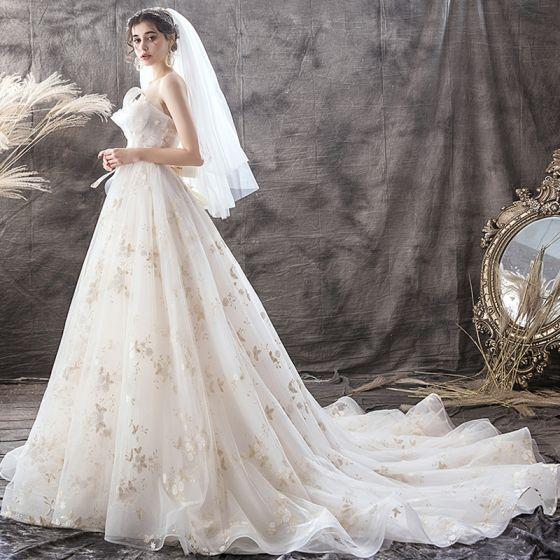 Chic / Belle Champagne Robe De Mariée 2019 Princesse Bustier Perle En Dentelle Fleur Dos Nu Noeud Sans Manches Tribunal Train