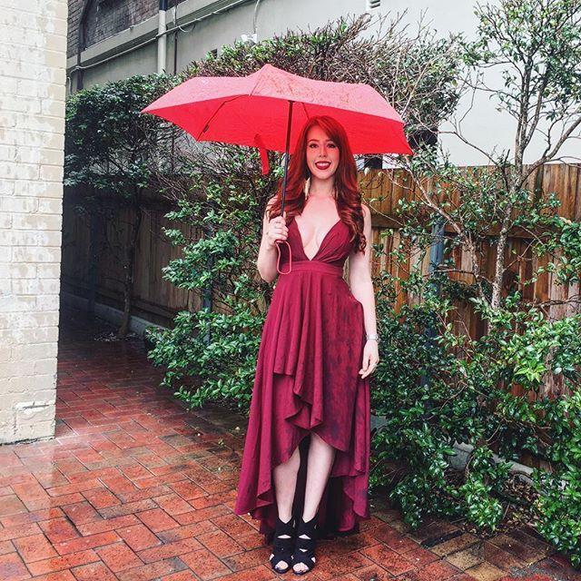Piękne Burgund Długie sukienki 2018 Princessa Kokarda Asymetryczny Spaghetti Pasy Plunging Cross Back Bez Rękawów Odzież damska