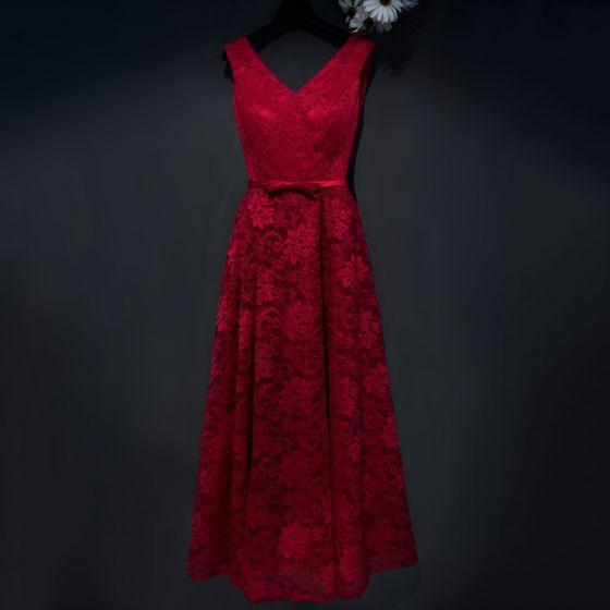 Schöne Rot Festliche Kleider 2017 A Linie Spitze Blumen Schleife V-Ausschnitt Ärmellos Knöchellänge Abendkleider