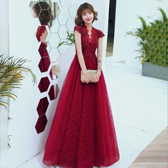 Moda Czerwone Koronkowe Przezroczyste Sukienki Wieczorowe 2020 Princessa V-Szyja Kótkie Rękawy Frezowanie Długie Bez Pleców Sukienki Wizytowe