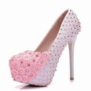 Lovely Blushing Pink Wedding Shoes 2018 Lace Flower Rhinestone 14 cm Stiletto Heels Round Toe Wedding Pumps