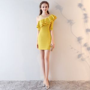 Chic / Beautiful Yellow Party Dresses 2017 Sheath / Fit Sequins One-Shoulder Backless 1/2 Sleeves Short Formal Dresses