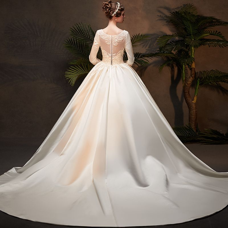 Vintage / Retro Ivory Satin Winter Wedding Dresses 2019 Ball Gown Scoop Neck 3/4 Sleeve Appliques Lace Cathedral Train Ruffle