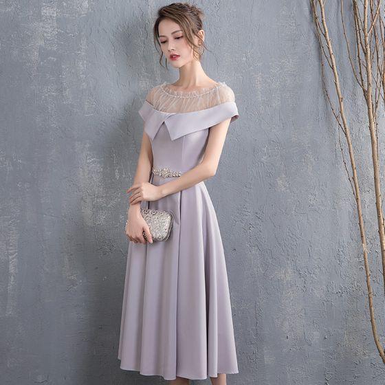 Chic / Beautiful Grey Homecoming Graduation Dresses 2018 A-Line / Princess Rhinestone Sash Scoop Neck Short Sleeve Tea-length Formal Dresses