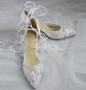 Edles Ivory / Creme Handgefertigt Durchsichtige Brautschuhe 2020 Leder Perle Strass Spitze 6 cm Stilettos Spitzschuh Hochzeit Hochhackige