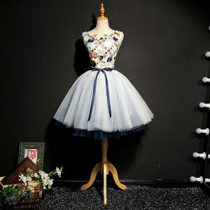 Chic / Beautiful Navy Blue Graduation Dresses 2018 Homecoming A-Line / Princess Tulle U-Neck Embroidered Appliques Backless Beading Cocktail Party Formal Dresses