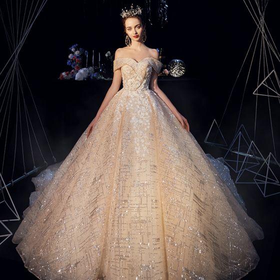 Sparkly Champagne Brudekjoler 2019 Prinsesse Av Skulderen Korte Ermer Ryggløse Appliques Blonder Glitter Tyll Cathedral Train Buste