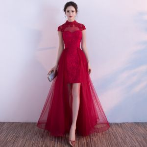 Style Chinois Salle Robe De Ceremonie 2017 Robe De Fete Bordeaux Princesse Asymétrique Col Haut Manches Courtes Dos Nu En Dentelle Appliques Perle Paillettes