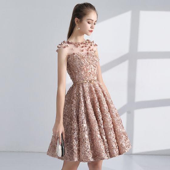 Chic / Beautiful Champagne Homecoming Graduation Dresses 2017 A-Line / Princess Scoop Neck Sleeveless Appliques Flower Metal Sash Short Pierced Formal Dresses