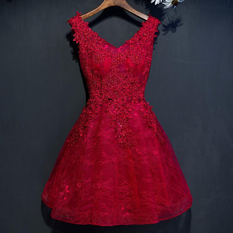 Chic / Beautiful Red Graduation Dresses 2017 A-Line / Princess Lace Flower Sequins Beading V-Neck Sleeveless Short Formal Dresses