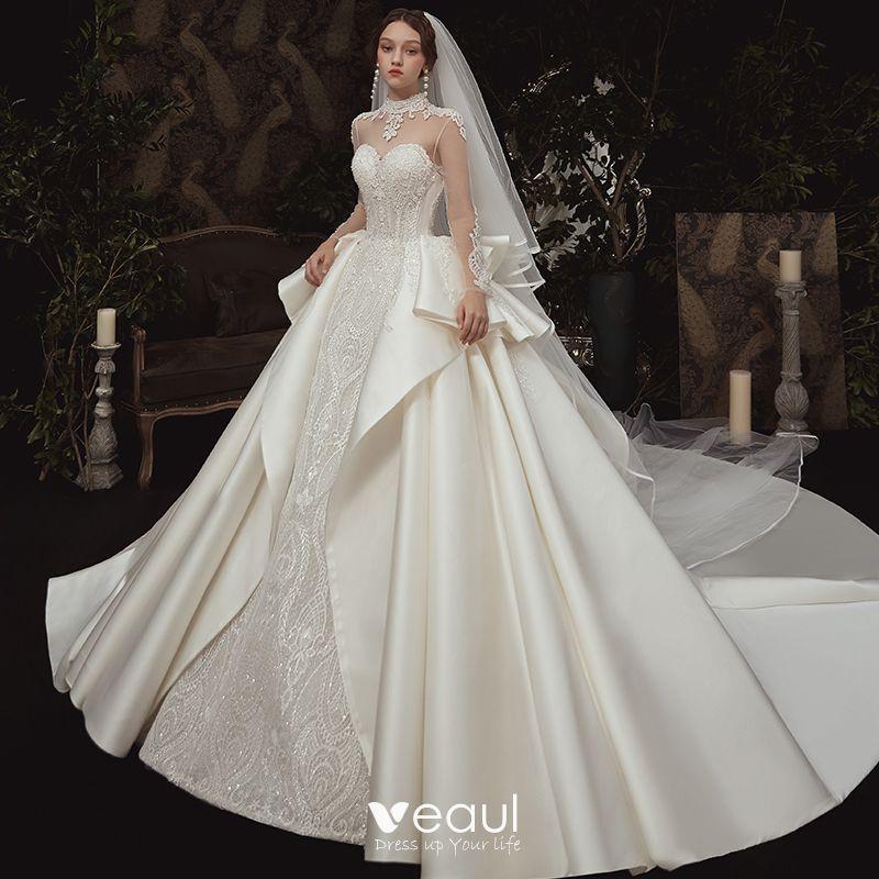 Vintage Durchsichtige Ivory Creme Satin Brautkleider Hochzeitskleider 2020 Ballkleid Stehkragen Lange Ärmel Rückenfreies Applikationen Spitze
