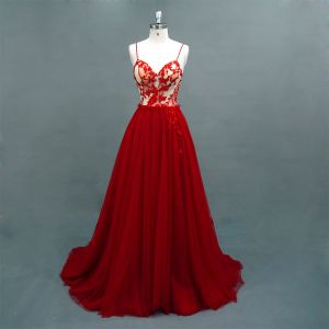 Chic / Beautiful Burgundy Prom Dresses 2018 A-Line / Princess Beading Lace Flower Spaghetti Straps Backless Sleeveless Sweep Train Formal Dresses