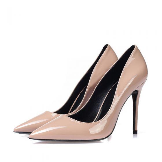 Manolo Blahnik Nude Patent Leather Kitten Heel Pumps Size