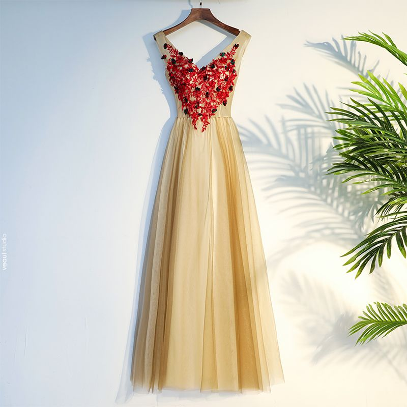 Chic / Beautiful Champagne Prom Dresses 2017 A-Line / Princess Crossed Straps Lace Appliques Flower V-Neck Sleeveless Tea-length Prom