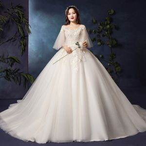 Classic Elegant White Plus Size Wedding Dresses 2019 A-Line / Princess Lace Tulle V-Neck Appliques Backless Beading Sequins Chapel Train