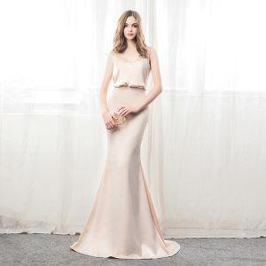 Schöne Champagner Abendkleider 2018 Mermaid V-Ausschnitt X-Riemen Rückenfreies Ärmellos Sweep / Pinsel Zug Festliche Kleider