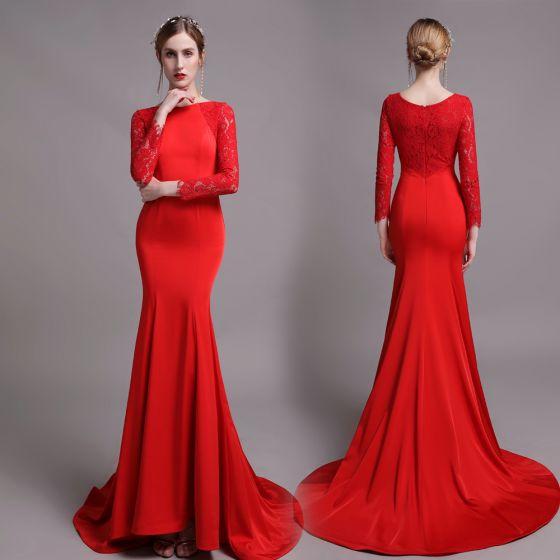 Edles Einfarbig Rot Abendkleider 2019 Meerjungfrau Rundhalsausschnitt Spitze Blumen Lange Ärmel Sweep / Pinsel Zug Festliche Kleider