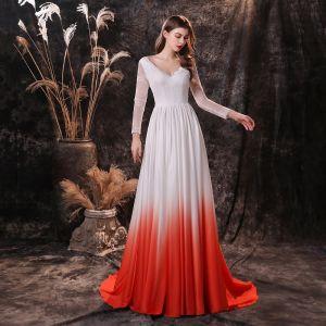 To farger Hvit Rød Satin Selskapskjoler 2021 Prinsesse V-Hals Langermede Feie Tog Buste Formelle Kjoler