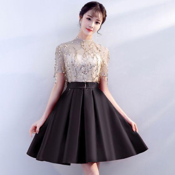 Stylowe / Modne Czarne Strona Sukienka 2018 Princessa Cekiny Wysokiej Szyi Kótkie Rękawy Długość do kolan Sukienki Wizytowe